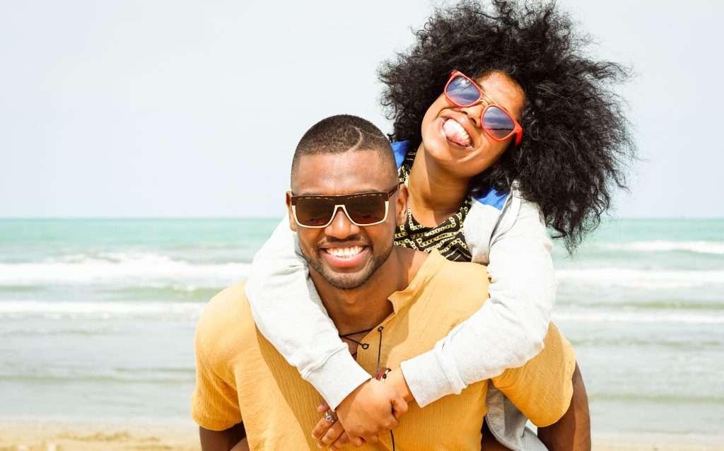 couple having summer fun