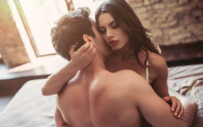 8 Need-to-Know Steps to Make Her Want You (& Drive Her Wild in Bed)